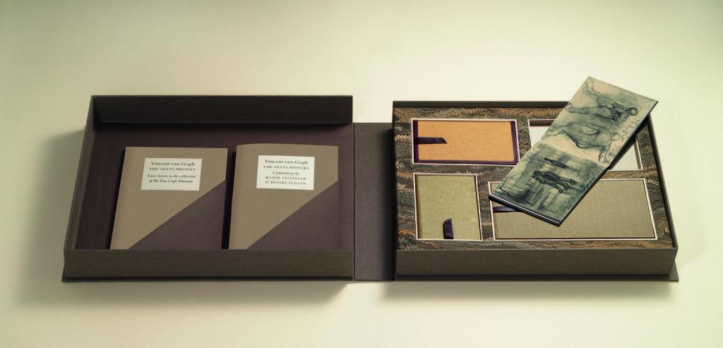 De facsimile uitgave van de resterende schetsboekjes van Vincent, een samenwerkingsproject van het museum en  The Folio Society in Londen.