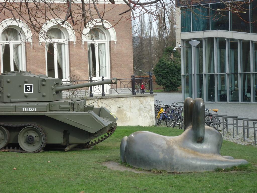 Deze Cromwelltank uit Museum Overloon werd uitgeschakeld door een voltreffer. Eigen foto.