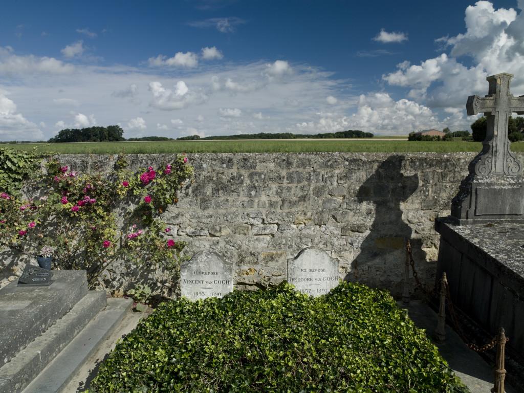 089-Tombes Van Gogh couleur