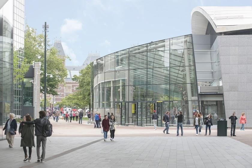 Zij-aanzicht buitenkant nieuwe entreegebouw. Foto Van Gogh Museum