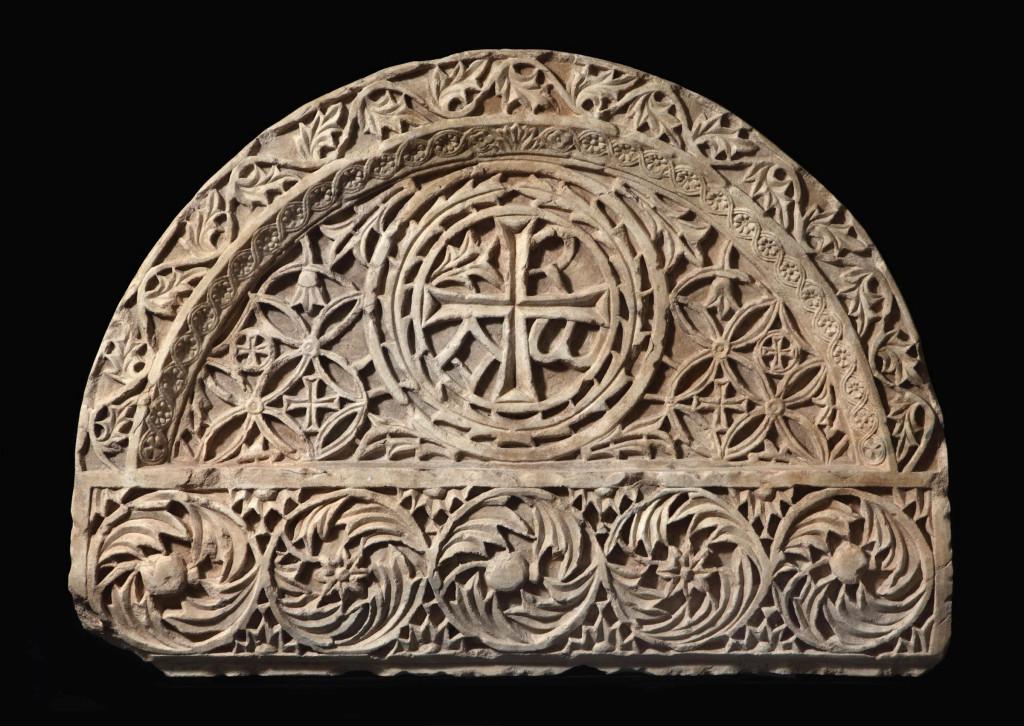 Byzantijnse latei of tympaan, Klein-Azië, 6e-7e eeuw, marmer, De Backker Medieval Art, PAN Amsterdam