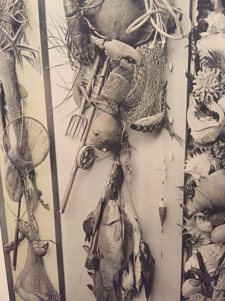 Martin Gerlach, compositie met mossels, vissen, zeekreeft en visgerei, Festons und Decorative Gruppen, Wenen, derde editie, 1897-98, detail eigen foto