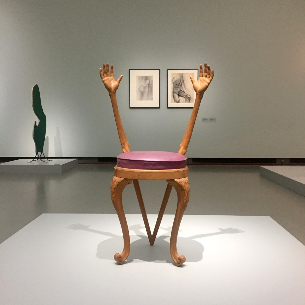 Salvador Dalí, Cradle Hands Chair, ca. 1936, West Dean College, onderdeel Edward James Foundation, eigen foto