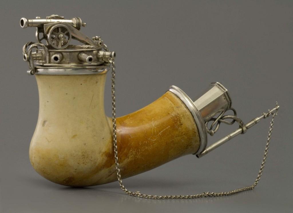 Meerschuim-pijp van een Franse maarschalk, 1830, foto en collectie Amsterdam Pipe Museum