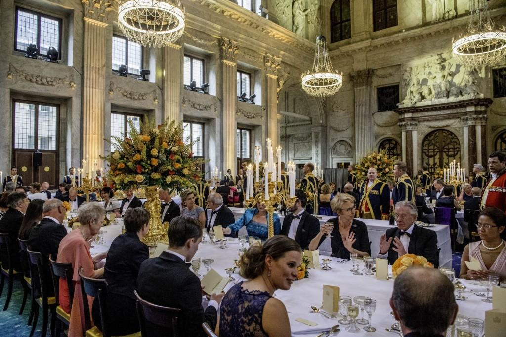 Jubilarissendiner met 150 gasten ter gelegenheid van de 50-ste verjaardag van Willem-Alexander, 28 april 2017, Paleis op de Dam, foto PPE-Nieboer