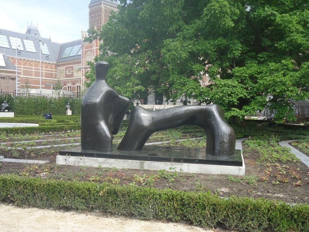 Reclining Figure: Arch Leg, 1969-70, brons, Henry Moore Foundation. Eigen foto