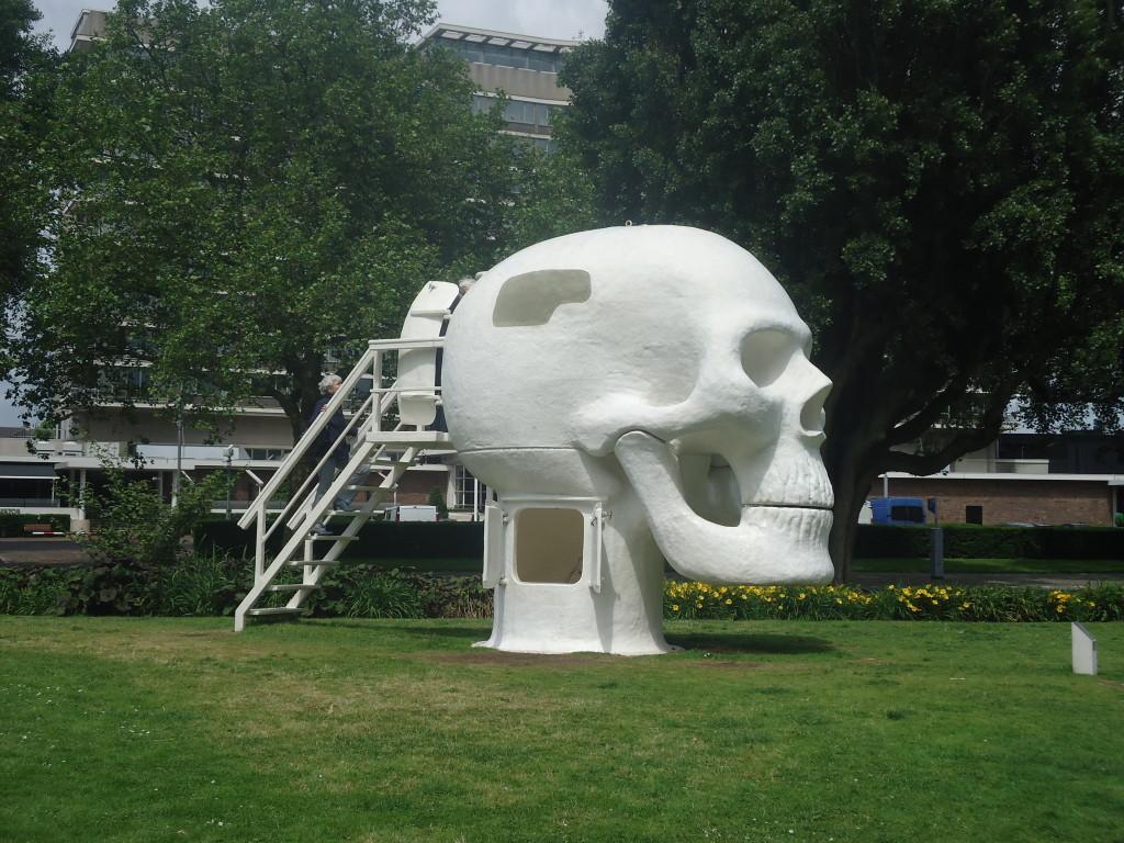 Welness Skull van Joep van Lieshout