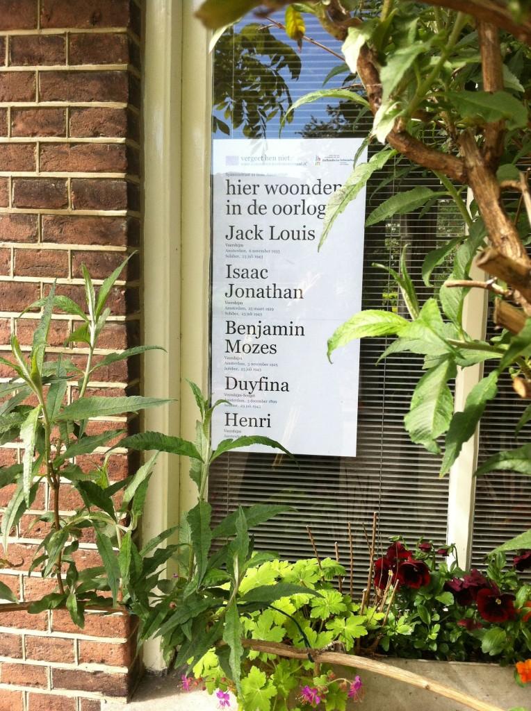 Herdenkingsposter Open Joodse Huizen Spinozastraat Amsterdam, 2012, foto: Paul Gofferjé