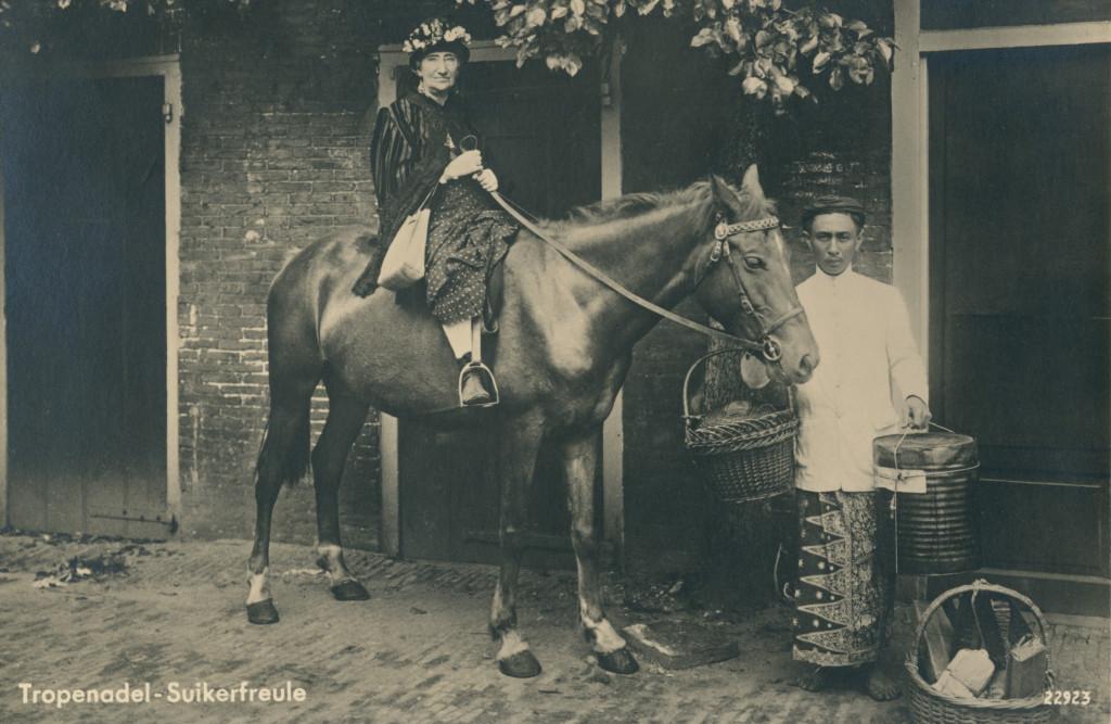 Esther de Boer-van Rijk in Suikerfreule, 1933, foto Cornelis Leenheer, uitgeverij De Vooruitgang