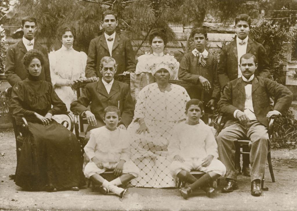 Het joods-creoolse echtpaar Fernandes-Vroom, 1908, Suriname, collectie Fernandes-Vroom