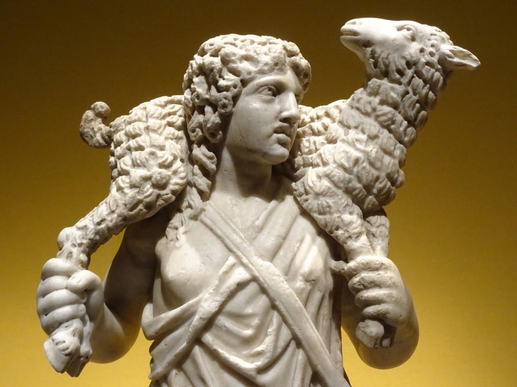 Beeldje van schaapdrager/de Goede Herder, Rome (?), 4de eeuw, Vaticaanstad, Musei Vaticani, detail, eigen foto