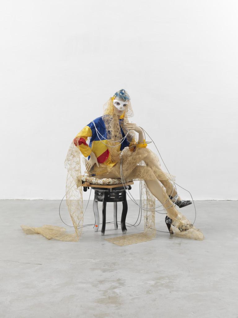 Isa Genzken, Schauspieler, 2013, collectie Syz, Geneve, c Photo courtesy de kunstenaar en Galerie Bucholz, Keulen, Berlijn, New York