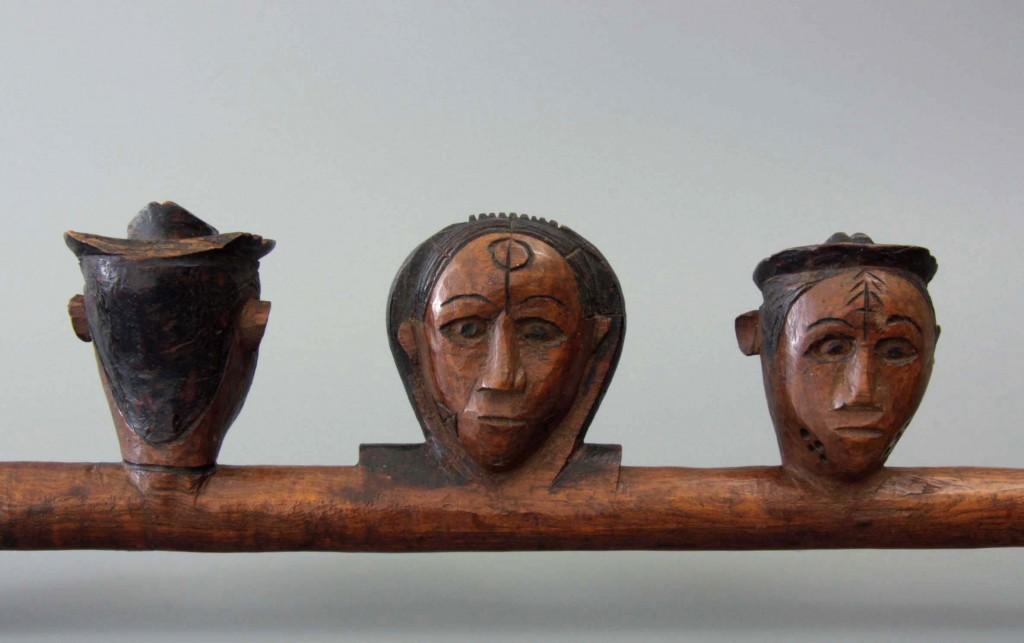 Amsterdam Pipe Museum, Ovimbundu, drie maskers, detail, foto Amsterdam Pipe Museum