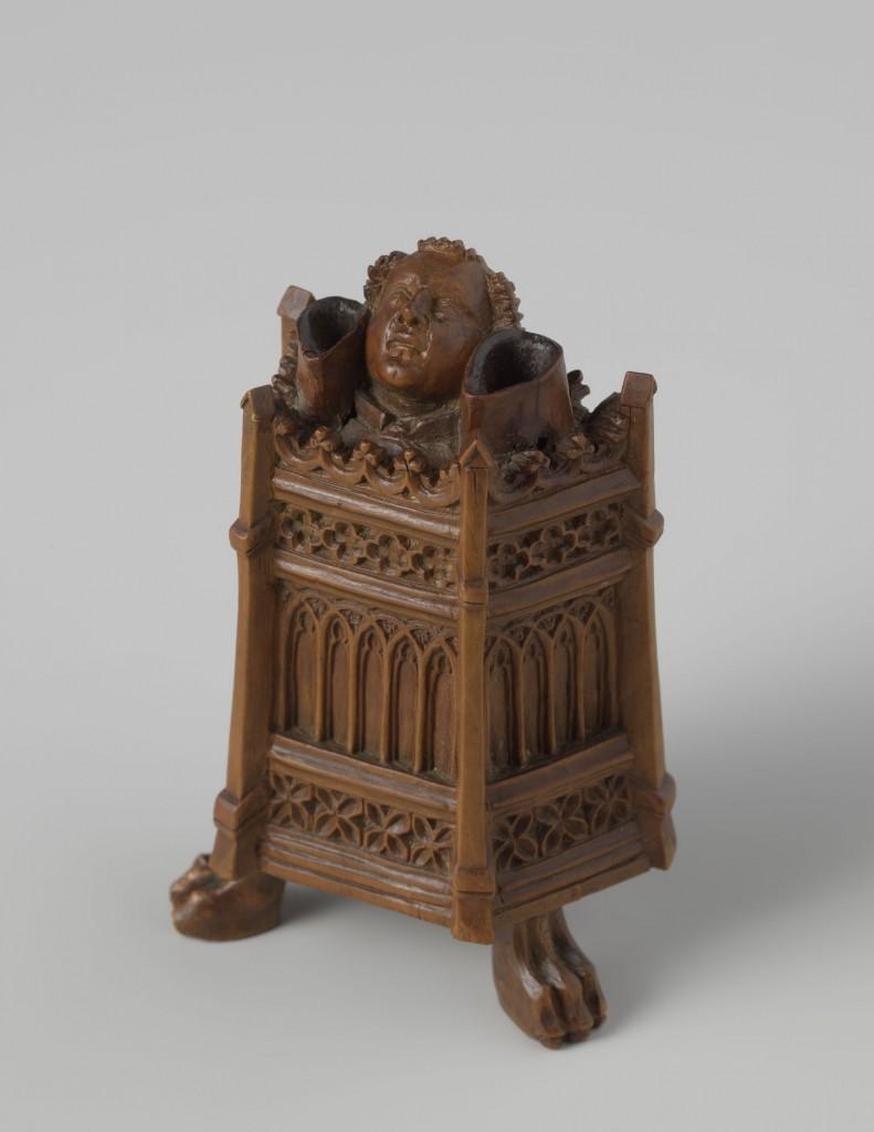 Inktpot met monnik in preekstoel, Zuidelijke Nederlanden of Parijs, ca. 1380-1400, buxushout, schenking particulier